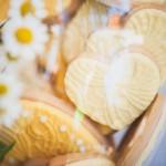 640_gele-hartvormige-koekjes